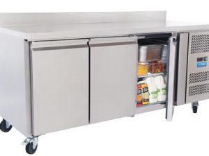 CR1800N Refrigerator